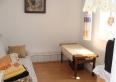 Mały pokój w apartamencie wędkarskim.